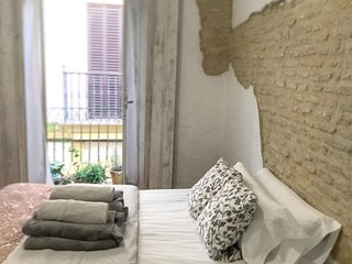 ANDALUCIA, DOUBLEROOM ON SHARED GUESTHOUSE SEVILLA'S DOWNTOWN