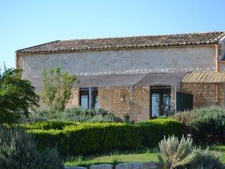 SCIROCCO - Charming 2 bedrooms apt in farmhouse Modica Sicily