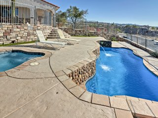 Bullhead City Home w/Pool, Jacuzzi, Laughlin Views