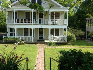 NEW! Historic 2BR Jefferson Cottage Near Downtown!