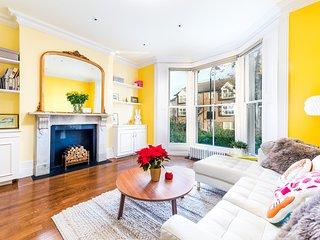 Modern Fulham home with Garden