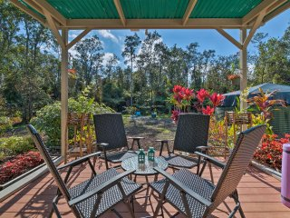 NEW! Tranquil 3BR Volcano Home w/ Lanai & Hot Tub!