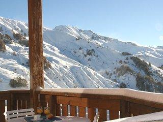 ***Pied de pistes, confortable 3P avec terrasse plein Sud vue montagnes, garage