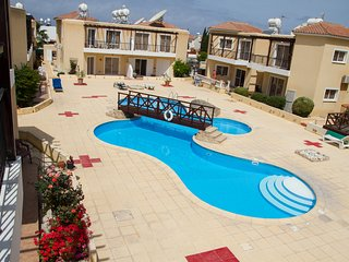 Luxury 2 Bedroom apartment with pool in a small delightful complex