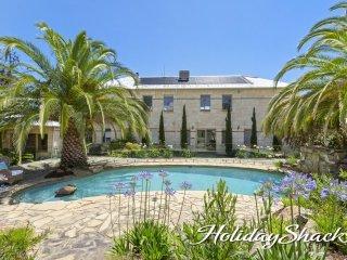 Elmie House - Luxury Mount Martha Retreat