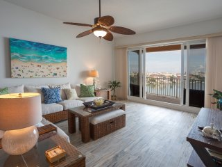 See The Dolphins At Play| Harborview Grande| Pet Friendly|Steps To Beach