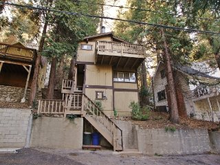 Hideaway Cottage in Lake Arrowhead