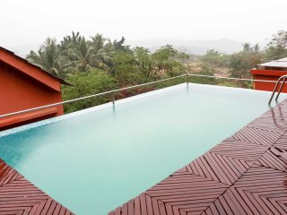 King Sundeck with Private Pool