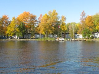 5 two and three bedroom Cottages with Boat Rentals