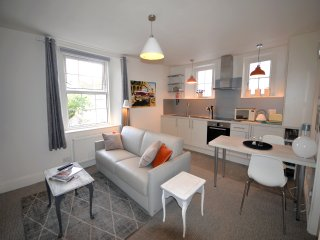 One bed first floor apartment in coaching mews (22)