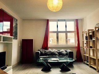 2 BEDROOM APARTMENT IN AMSTERDAM 15 MINS FROM CITY CENTRE
