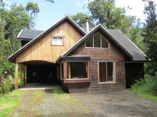 Casa autónoma Tepuhueico, Chonchi, isla de Chiloe, Chile