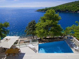 Luxury Villa My Dream with pool, at the beach in Sumartin, Brac