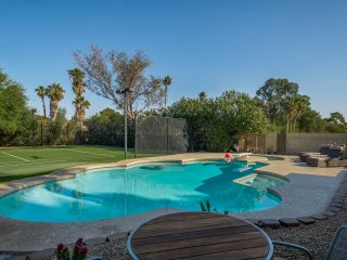 PRIVATE TENNIS COURT, HEATED POOL, CLOSE TO PHOENIX OPEN & SPRING TRAINING!!!!!