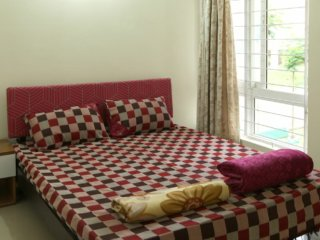 2 bhk serviced flat- short/long stays- Bangalore