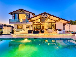 Magnificent Oceanfront Home w/ Private Pool & Spa