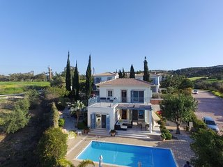 Luxury villa, large pool, sea views, 5 mins beach