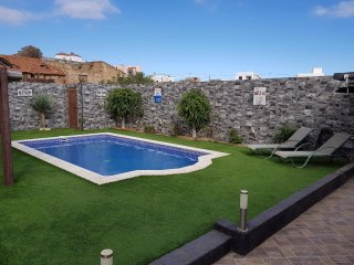 Stunning 5 Bedroom Villa with Private Heated Pool