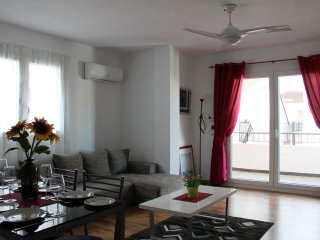 Beautiful 2 Bed Apt Villamartin Plaza Golf, Food, Sun & Beach