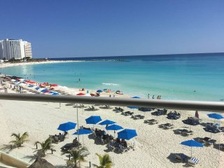 Oceanfront Studio in the heart of Cancun Hotel Zone