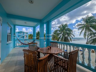 Sunset Beach B2 - 3 brm condo w balcony on private beach! - WiFi/AC/kayaks/bikes