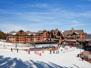 Grand Lodge 7 Ski-In/Ski-Out Studio Feb 10th to Feb 17th 2018 Breckenridge Co