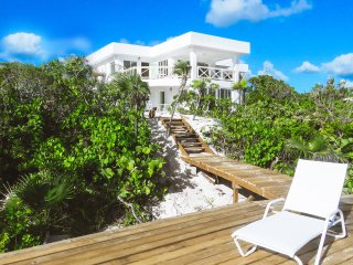 White Ocean Coral · Private Beach-Resort with two exclusive Suites