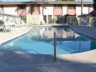 2BR Condo w/ Heated Pool, Walk to Old Town Scottsdale