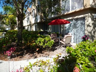 Weston Villa - Ground Fl, Lakefront,  Pool, Gym, Tennis