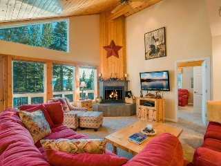 Dollar Point home with private hot tub, 5 minutes from shore - Dollar Point