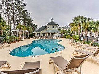 NEW! Upscale 2BR Myrtle Beach Condo on Golf Course