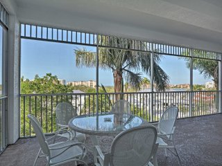 Marco Island Condo w/ Ocean Views & Screened Lanai