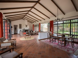 Sunbird Cottage (Kilimanjaro Golf & Wildlife Estate)