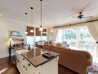 Poolview and resort access from this 3bed/3bath  Villa with AC f210
