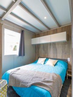 Chambre lit double 160 x 190.