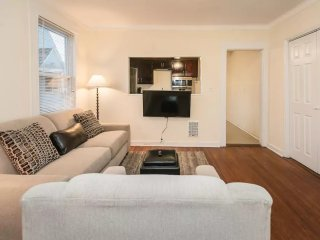 HUGE, PRIVATE, SPACIOUS HOME 3BEDS,1BA, WASHER/DRYER.ONLY 1HR TO NYC! 20%OFF/MO!