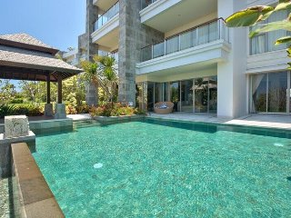 AYANA LUXURIOUS 2BR appartment with private pool