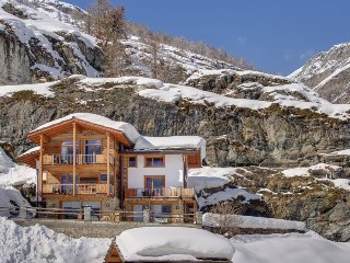 *Best Rates* Luxury Chalet With 4 Bedrooms And Sauna