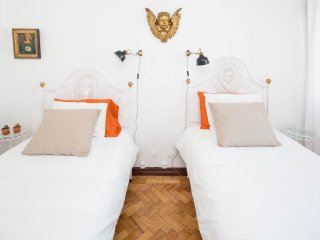 THE ROCOCO ART ROOM, haven for 2 in Aveiro heart