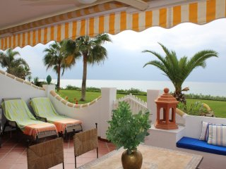 Beach front rental property with big sunny terrace IR30