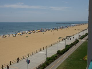 Oceanfront Condo, 2 bedroom 2.5 bathrooms, Boardwalk, Bike Path