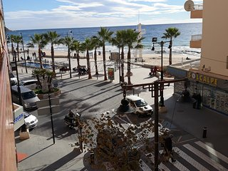 Light and Sunny apartment 40 metres from the beach