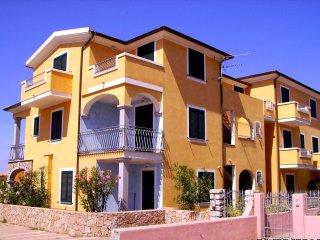 Appartamento a Valledoria con giardino in centro