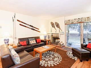 Sportsman Paradise Overlooking Golf Course - 30 Mins to 4 Area Ski Resorts