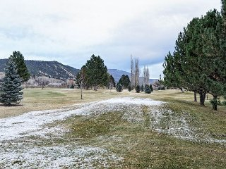 Sportsman Paradise-3BD 2BA overlooking the golf course