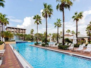 Large 4BR w/ Balconies, Grill, Lagoon Pool & Beach Shuttle