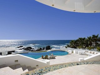 Oceanfront Luxury Villa- Landmark Estate - In Private Beach and Tennis Club