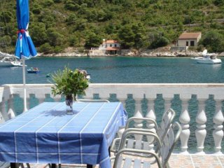 Holiday Home Macić- Holiday House with Terrace and Sea View
