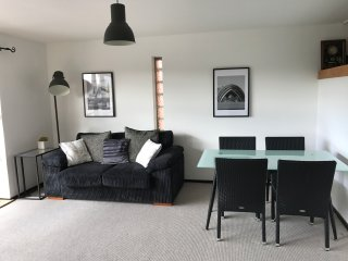 Glasgow City Centre Riverside Apartment