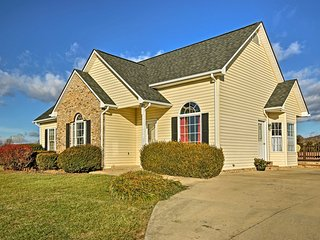 NEW! 3BR Quicksburg Home Next to Third Hill Winery